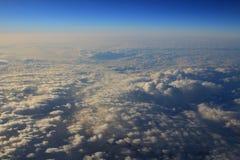 Голубое облако было принято на самолет для предпосылки Стоковое Изображение RF