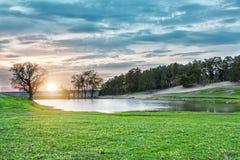 голубое пасмурное небо озера пущи вниз Стоковое фото RF