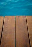 голубое солнце моря пристани деревянное Стоковые Изображения RF
