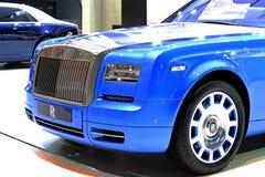 Голубой автомобиль роскоши Rolls Royce стоковая фотография