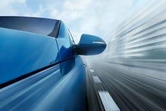 голубой автомобиль стоковые изображения