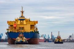 голубой грузовой корабль Стоковое Фото