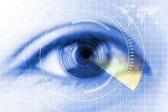 Голубой глаз конца-вверх будущее предохранение от катаракты, развертка, контакт стоковые фотографии rf
