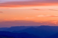 Голубой заход солнца гор Стоковая Фотография RF