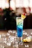 Голубой коктеил с льдом Стоковые Изображения