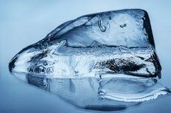 Голубой крупный план блока льда Стоковые Фото