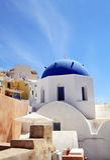 Голубой купол церков на Oia, Santorini, Греции Стоковое Изображение