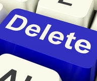 голубой ключ erase delete к погани стоковое фото
