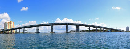 Голубой мост цапли к острову певицы Стоковое Изображение RF