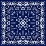 Голубой носовой платок с белым орнаментом Стоковое фото RF
