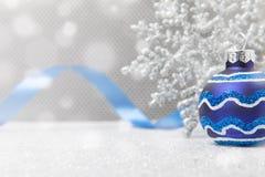 Голубой орнамент рождества с снежинкой Стоковое фото RF