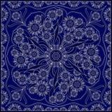 Голубой пестрый платок с белой картиной Стоковые Фотографии RF