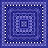 Голубой пестрый платок с белым орнаментом Стоковая Фотография RF