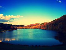 Голубой пруд гребня и взгляд славы Стоковое Изображение RF