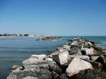 Голубой рай с камнями стоковое изображение rf