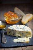 Голубой сыр и мед Стоковая Фотография RF