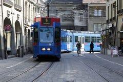 Голубой трамвай в Bern Стоковое Изображение RF