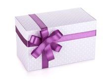 Голубой фиолет коробки подарка с лентой и смычком Стоковая Фотография