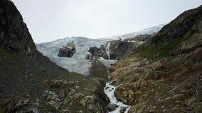 Голубой фронт ледника льда Ледник Buer, Норвегия от взгляда воздуха от трутня видеоматериал
