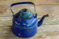 Голубой чайник сделанный из стали Стоковые Изображения RF