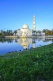 Голубой час над мечетью abidin zainal tuanku mizan Также как железная мечеть Стоковое Изображение RF