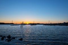Голубой час на озере Стоковые Изображения