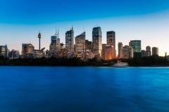 Голубой час на портовом районе Сиднея Стоковые Изображения RF