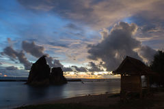 Голубой час на пляже Tanjung Layar Стоковые Изображения RF