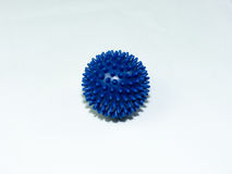 Голубой шарик массажа на белой предпосылке Стоковое Изображение