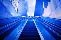 Эскалатор вверх Стоковое Изображение
