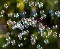 голубой tonality структуры мыла пузырей Стоковая Фотография RF