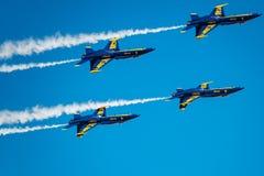 Голубые ангелы вися вне Стоковая Фотография