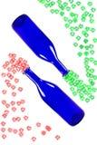 Голубые бутылки при цветки изолированные на белой предпосылке Стоковая Фотография