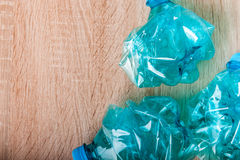 голубые бутылки пластичные Стоковое фото RF