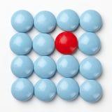 голубые пилюльки красные Стоковое Изображение RF
