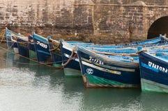 Голубые рыбацкие лодки в стыковке Стоковая Фотография RF