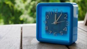 Голубые часы в timelap сток-видео