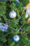 Голубые шарики и смычки Декор Новый Год стоковое фото