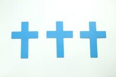 3 голубых пастельных христианских креста isoleted на белой предпосылке Стоковая Фотография RF