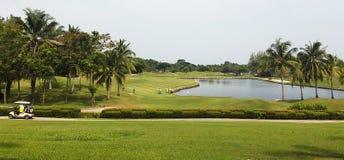 Гольф-клуб ослабляет в Таиланде Стоковая Фотография