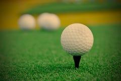 гольф шарика ударяя движение утюга Стоковые Фотографии RF