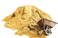 Гравий, песок, тележка, камень и лопаткоулавливатель к творческой текстуре стоковое изображение rf