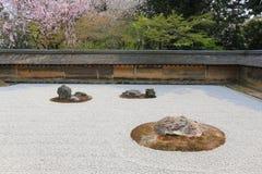2008 гравий япония kyoto 15 садов могут тряхнуть Дзэн белизны виска камней ryoanji В камнях o сада 15 стоковые изображения rf