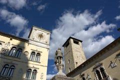 Гражданская башня и часы ратуши в Беллуно стоковые изображения rf