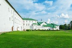 Гражданская архитектура семнадцатого Столетие внутри Suzdal Кремля стоковое изображение
