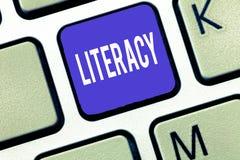 Грамотность текста сочинительства слова Концепция дела для способности прочитать и написать правомочность или знание в определенн стоковые фото