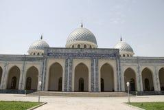 грандиозная мечеть imom hazrati стоковая фотография rf