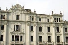 грандиозная площадь san lima martin старая Перу гостиницы Стоковые Фото
