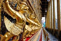 грандиозная статуя Таиланд дворца gurada стоковое фото