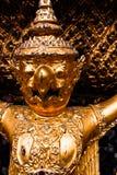грандиозная статуя Таиланд дворца gurada Стоковое фото RF